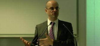 Jean-Michel Blanquer, directeur général de l'Essec, présente le plan stratégique 2014-2020 de l'école, le 11 février 2014 © Etienne Gless