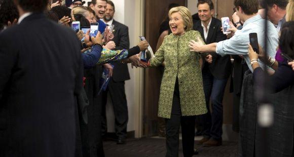 Hillary Clinton, ici en campagne pour les primaires démocrates au Meharry Medical College de Nashville (Tennessee), entend prendre des mesures pour limiter l'endettement des étudiants.