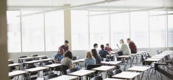 """Pour Jean-Philippe Denis, il faut reconsidérer la différence entre """"teaching school"""" et """"research school"""". //©plainpicture/Hero Images"""