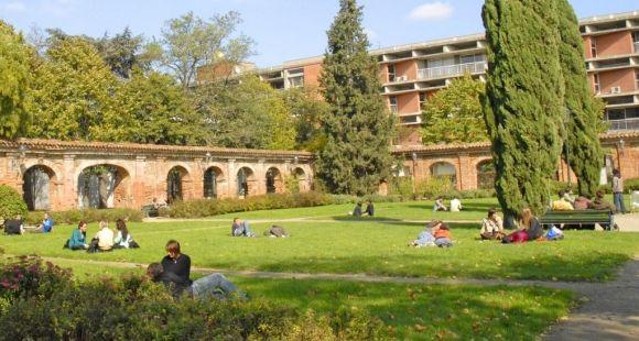 Université Toulouse 1 Capitole - cloître - ©UT1 Capitole