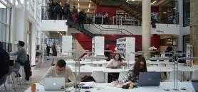 BBS (Burgundy School of business) a transformé son ancienne médiathèque en un learning lab dernier cri. //©Cécile Peltier