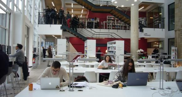 BBS (Burgundy School of business) a transformé son ancienne médiathèque en un learning lab dernier cri.