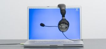 Pour les établissements, le déroulement des examens en ligne soulève encore de nombreuses questions. //©Plainpicture / BY
