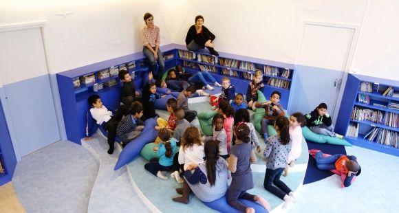 A l'école élémentaire du Petit Coin à Saint-Étienne, les élèves ont travaillé sur la rénovation d'un espace partagé avec la designer Agathe Chiron