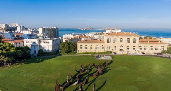 Aix-Marseille université table sur son réseau d'Alumni pour accroître son rayonnement