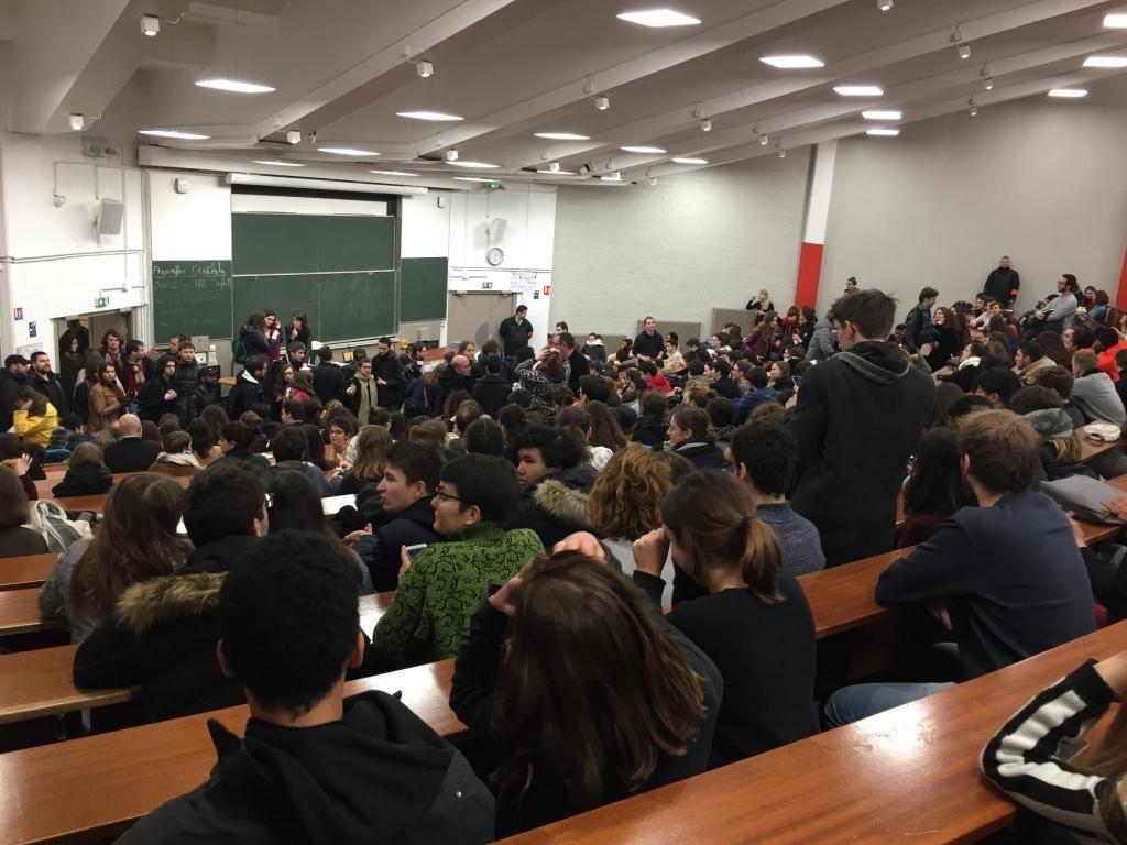 À Tolbiac, ce jeudi 1er février 2018, l'assemblée générale a réuni près de 600 étudiants mobilisés contre la réforme de l'entrée à l'université. //©Laura Taillandier