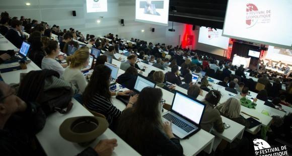 Depuis 2009, un festival de géopolitique est organisé par Grenoble École de management. Une matière qui fait partie du tronc commun des cours du programme grande école.