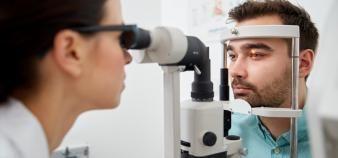 Le nombre d'ophtalmologistes formés ne suffira pas à combler les nombreux départs dans les années à venir. //©Syda Productions/Adobe