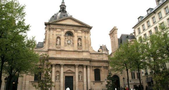 Place de la Sorbonne à Paris  © S.Blitman