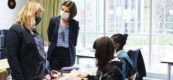Nathalie Elimas, secrétaire d'Etat à l'Education prioritaire, en visite dans un collège classé REP+ en mars 2021. //©Stephane AUDRAS/REA