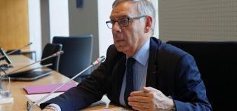 Claude Bisson-Vaivre, médiateur de l'Éducation nationale et de l'Enseignement supérieur, appelle à une expérimentation d'un mouvement de recrutement national des enseignants-chercheurs comme des personnels ITRF. //©Ministère ESR