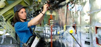 Allison, électricienne sur avion chez Airbus // © Airbus