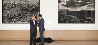 Les photographies de Sebastião Salgado constituent le premier don artistique reçu par Sciences po. //©Manuel Braun pour Sciences Po