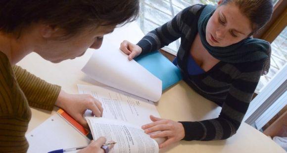 Université Bordeaux 4 - Séance de consultation par des étudiants dans le cadre de la clinique de droit © Olivier Got - Université de Bordeaux