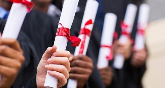 Le téléservice d'attestation des diplômes diplome.gouv.fr va-t-il détrôner le diplôme papier ?