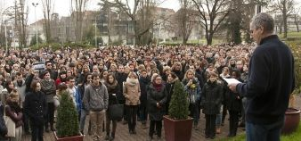 Université de Bordeaux - Rassemblement avant la minute de silence suite à l'attentat contre