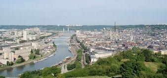 L'académie de Rouen est située sur un territoire urbain et très industriel, qui compte un nombre important de sous-diplômés. //©Wikipédia