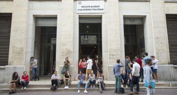 Université de Montpellier - façade faculté de droit et de science politique