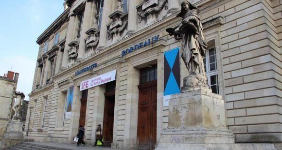 Université de Bordeaux, façade du site de la Victoire