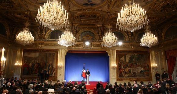 USAGE UNIQUE / Nicolas Sarkozy grand emprunt