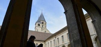 Le cloître de l'abbaye de Cluny. //©MEYERS / Arts et Métiers