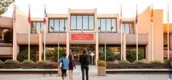 Skema BS, ici sur son campus de Sophia-Antipolis, poursuit son ambition de développement à l'international. //©Lorasphotography/Skema