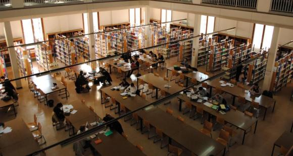 Université d'Aix-Marseille - bibliothèque - Site de la fac de droit à Aix-en-Provence- janvier 2011 - ©C.Stromboni