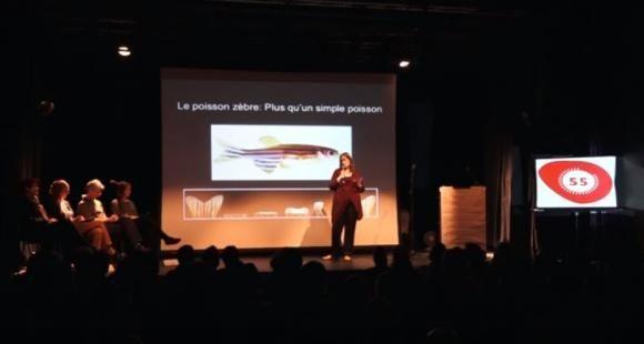 La lauréate du concours a offert un résumé vivant de sa thèse sur les capacités régénératives des poissons-zèbres.