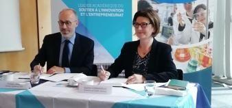 Philippe Jamet, DG de l'IMT, et Sophie Commereuc, directrice de Sigma Clermont, lors de la signature de la convention de partenariat stratégique le 6 mai 2019. //©Clément Rocher