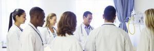La fin du numerus clausus ne signifie pas la fin de la sélection drastique pour l'accès aux études de santé. //©DEEPOL by plainpicture/Robert Daly