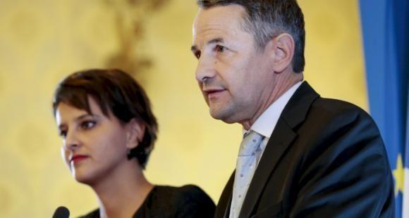 Najat Vallaud-Belkacem et Thierry Mandon présentent le projet de loi de finances 2017.