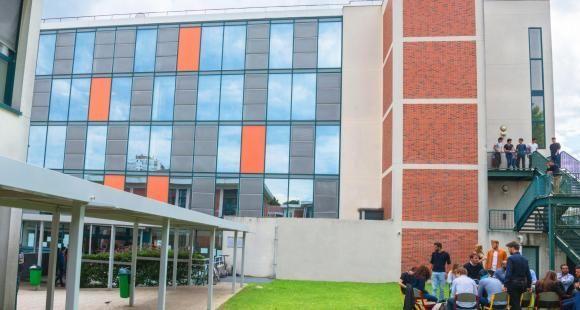 Écoles d'ingénieurs: l'Efrei et l'Esigetel fusionnent