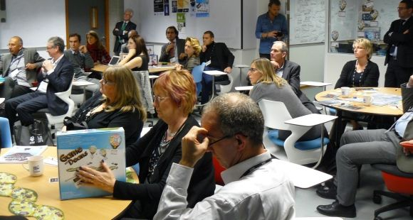 Les responsables de programmes masters de l'EFMD testent Game of Deans, un jeu sérieux sur l'enseignement supérieur, le 3 décembre 2014 à Grenoble