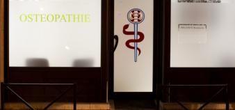 31 écoles d'ostéopathie sont désormais agréées par le ministère de la Santé. //©Laurent Cerino/REA