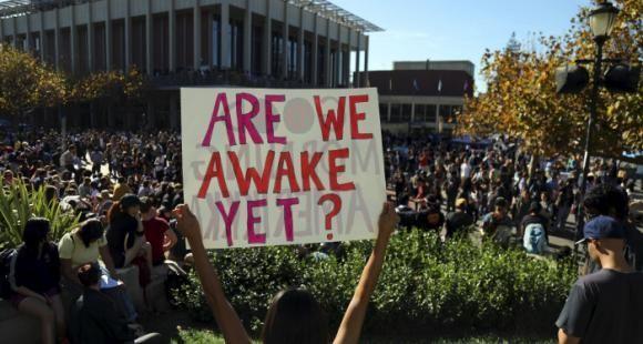 Depuis l'élection de Donald Trump à la tête des Etats-Unis, des manifestations ont lieu dans certaines universités américaines.