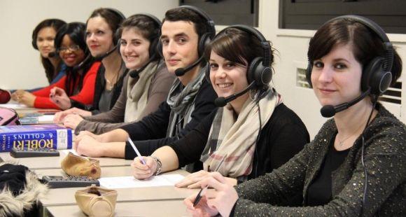 Université Rennes 1 - Anglais au labo de langues © UR1 – Dircom – Gaëlle Le Page - janv 2013