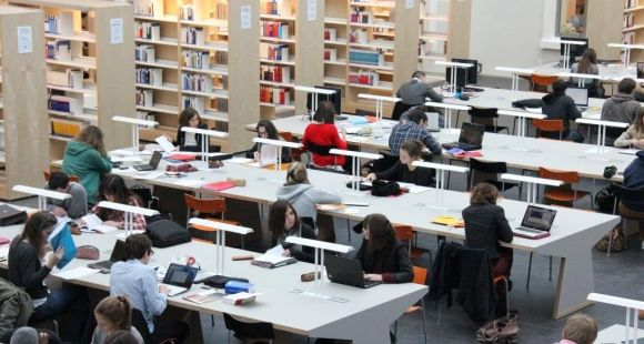 Université Rennes 1 - BU de droit, économie et gestion © UR1 – Dircom – Gaëlle Le Page -oct 2012