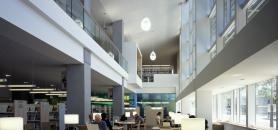 Selon les auteurs du rapport Horizon 2017, les bibliothèques cherchent de plus en plus à recruter des spécialistes en data visualisation et en fouille des données. //©plainpicture/Arcaid/John Edward Linden