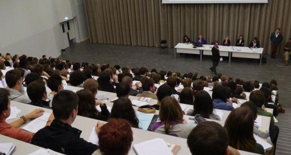 La rentrée des étudiants en première année d'histoire, à l'université Paris 4 (Sorbonne), sur le site Clignancourt (septembre 2013)