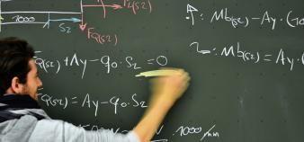 Les mathématiques, une matière omniprésente dans le système éducatif français. //©Axel Biewer/plain picture