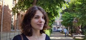 Leïla Frouillou à l'Institut de géographie dans le Quartier latin, juin 2016. //©Natacha Lefauconnier