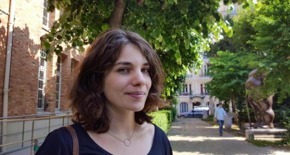 Leïla Frouillou à l'Institut de géographie dans le Quartier latin, juin 2016.