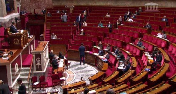 """L'examen de l'article premier du projet de loi """"orientation et réussite des étudiants"""" a donné lieu à plusieurs heures de débats. //©Capture d'écran / Assemblée nationale"""