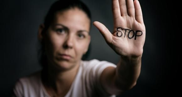 """""""Tea Consent"""" ou comment former les étudiants pour prévenir les violences sexuelles ?"""