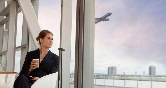 Partir à l'étranger dès l'obtention peut booster votre parcours professionnel // © Image Source