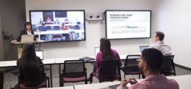 Les étudiants qui ont suivi les cours en présentiel obtiennent de meilleures notes aux examens que ceux qui ont suivi les cours en ligne, selon l'étude réalisée par Brookings. //©DeVry university