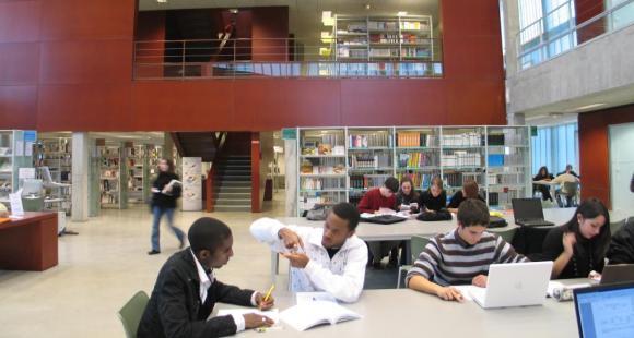 La bibliothèque de l'université d'Orléans // ©Université d'Orléans - JS Loiseau.