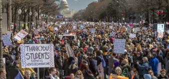 Plus d'un million de personnes ont manifesté le 24 mars pour demander une réglementation plus stricte sur les armes à feu. //©Jim WEST/REPORT DIGITAL-REA