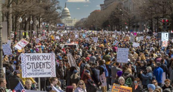 Aux États-Unis, le débat sur l'armement des enseignants fait rage