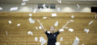Pour Danielle Bebey, l'amélioration du dispositif d'évaluation à l'université reste un véritable enjeu. //©Plainpicture/Kniel Synnatzschke